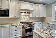 1929-Palmgren-Glenview - Kitchen Backsplash - Globex Developments Custom Homes