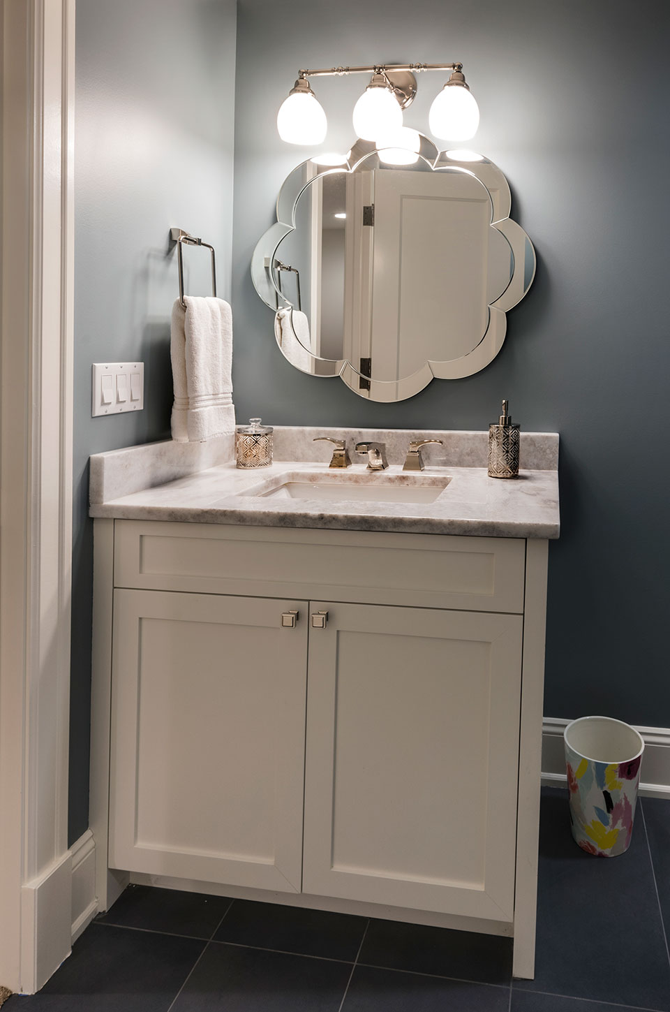 1943-Glen-Oak-Glenview - Basement-Bathroom-Vanity - Globex Developments Custom Homes