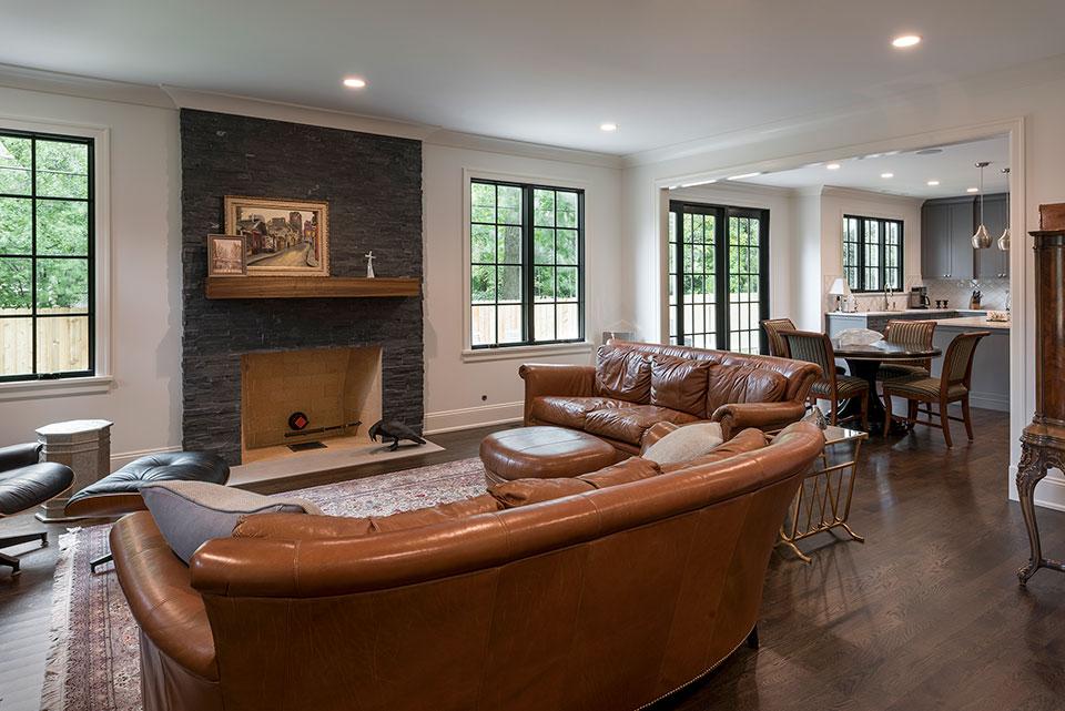 1943-Glen-Oak-Glenview - Family Room, Fireplace - Globex Developments Custom Homes