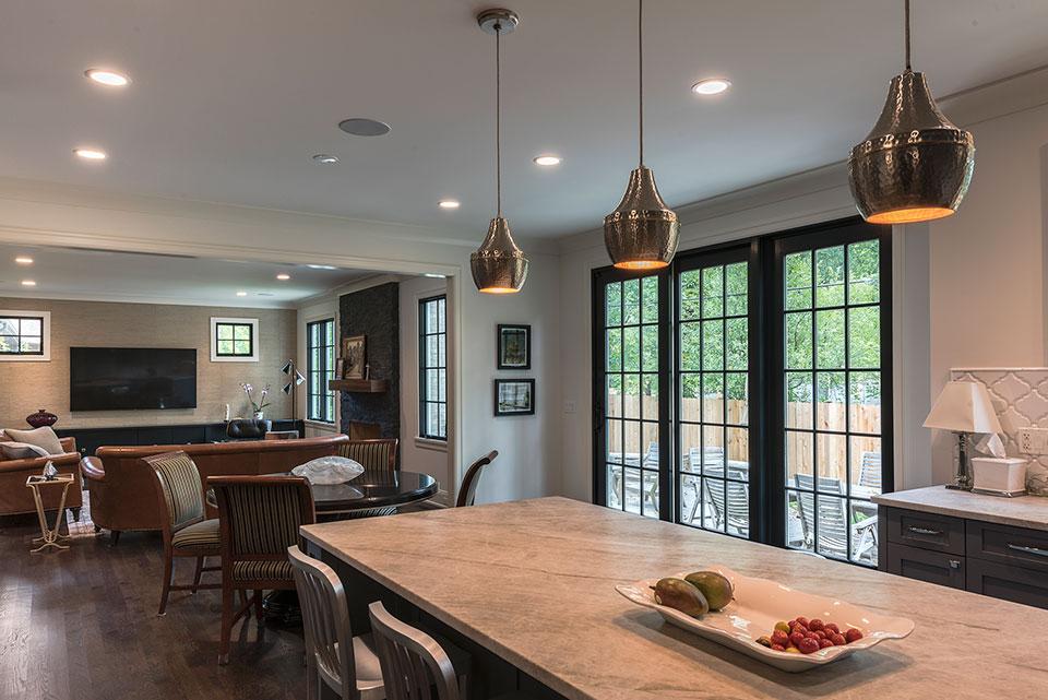 1943-Glen-Oak-Glenview - Kitchen, Family Room - Globex Developments Custom Homes