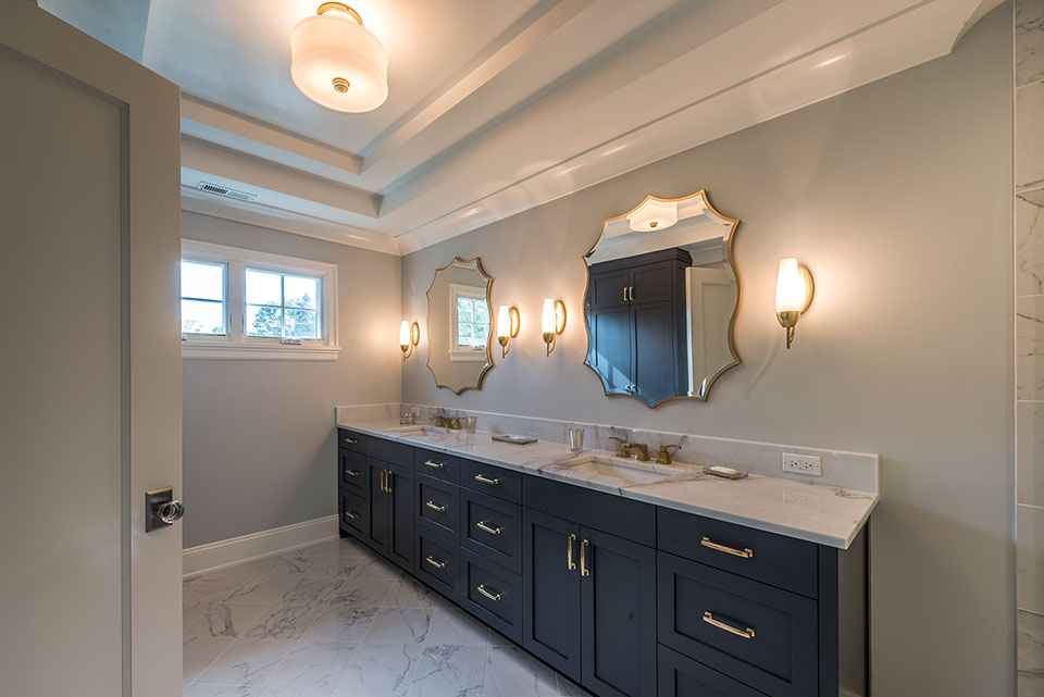 1943-Glen-Oak-Glenview - Master-Bathroom-Entrance - Globex Developments Custom Homes