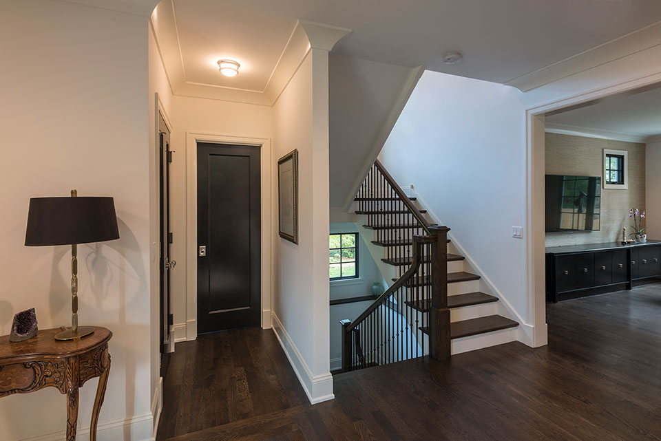 1943-Glen-Oak-Glenview - Powder-Room-Door,-Stairs - Globex Developments Custom Homes