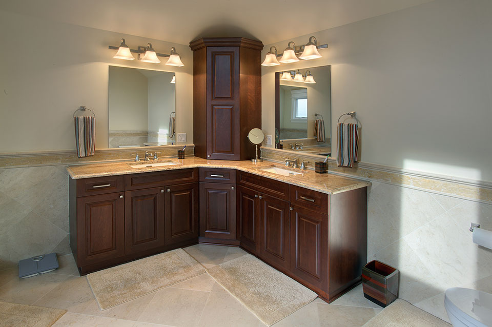 1957-Glenview - MasterBathroom - Globex Developments Custom Homes