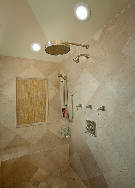 1957-Glenview - Shower - Globex Developments Custom Homes