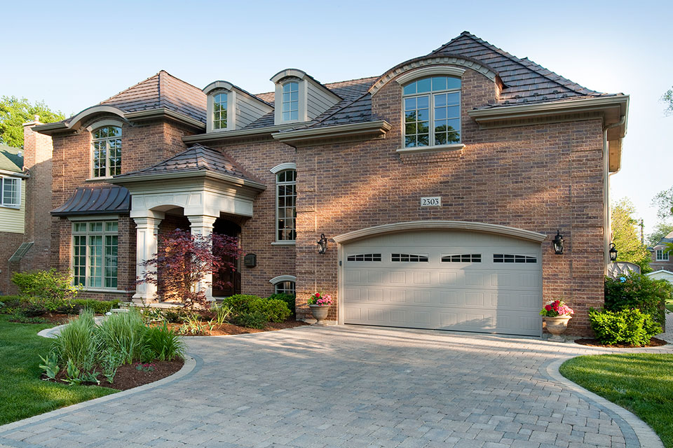 2303-Henly - House-Side - Garage Door Gallery
