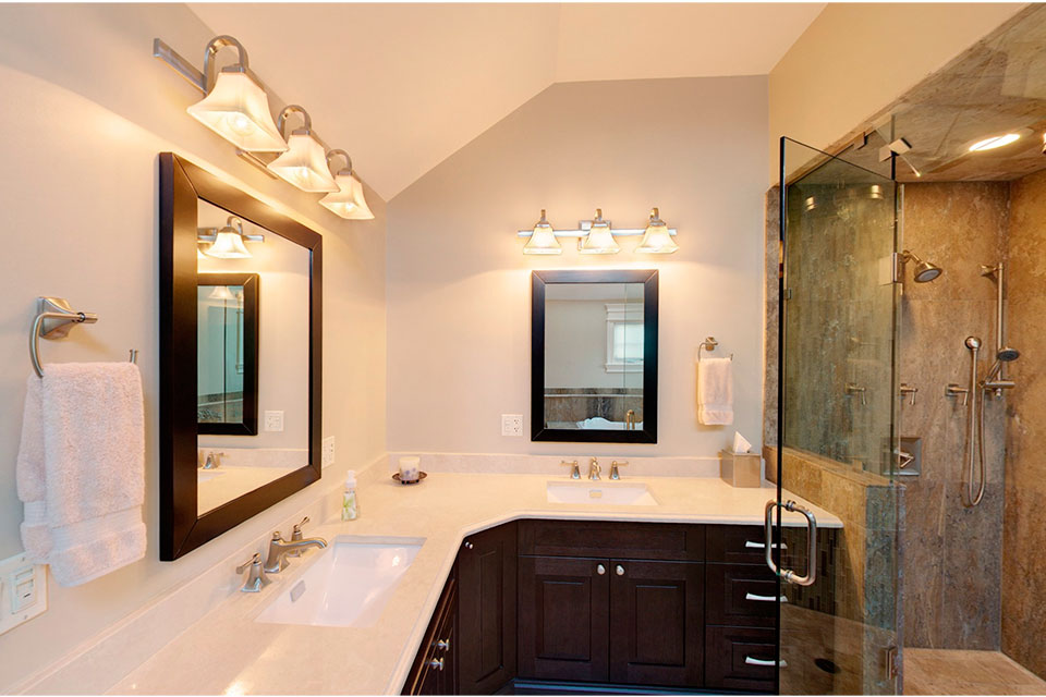 2303-Henly - MasterBathroom-Vanity - Globex Developments Custom Homes