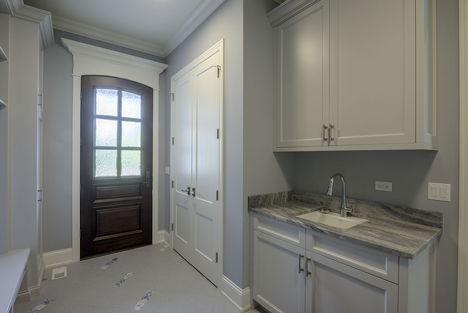 2354-Wood-Drive-Northbrook - Mudroom,  GD-652W Single Front Door - Globex Developments Custom Homes