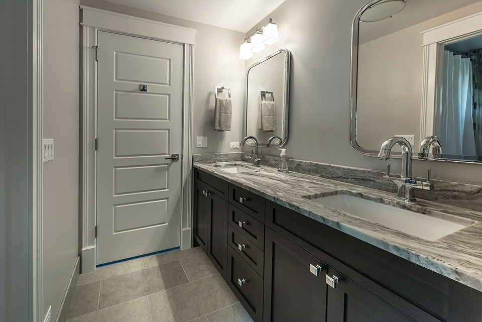2430-Fir-St-Glenview - Guest-Bathroom - Globex Developments Custom Homes