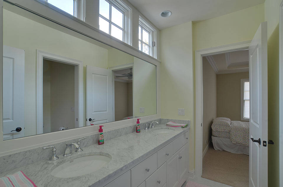 30-S-Bruner-Hinsdale - Bathroom2 - Globex Developments Custom Homes