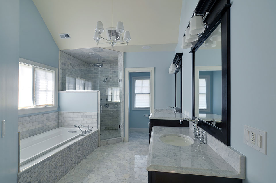 30-S-Bruner-Hinsdale - Master-Bathroom-Counter-View - Globex Developments Custom Homes