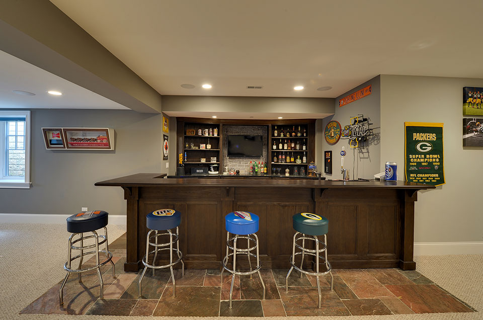 304-McArthur-Mt-Prospect - Basement-Bar-Front - Globex Developments Custom Homes