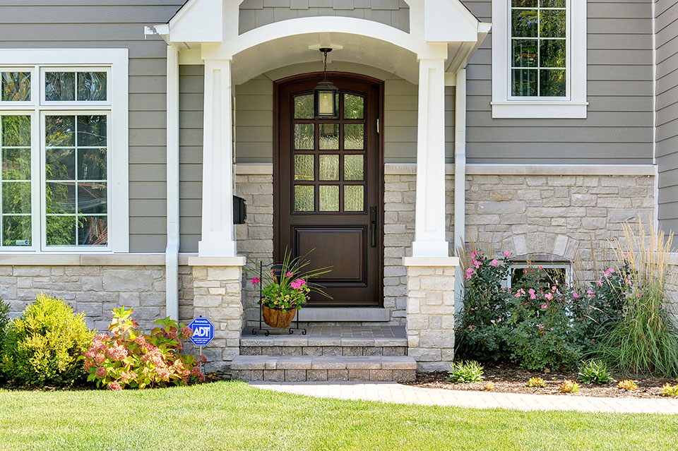 305-Neva-Glenview - Entry-Door-Exterior - Globex Developments Custom Homes