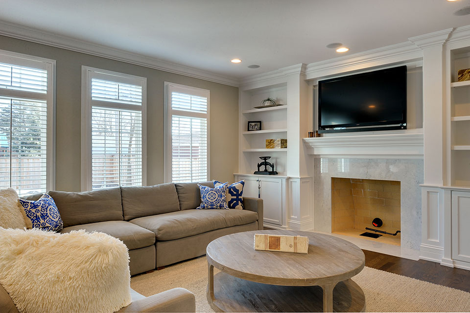 305-Neva-Glenview - Family-Room-Detail - Globex Developments Custom Homes