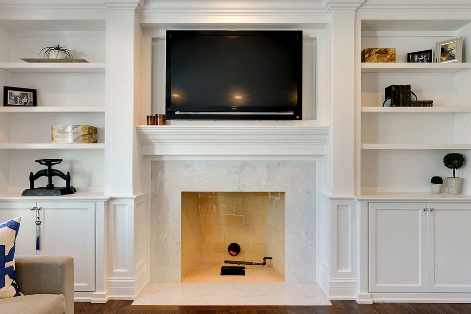305-Neva-Glenview - Family-Room-Fireplace - Globex Developments Custom Homes