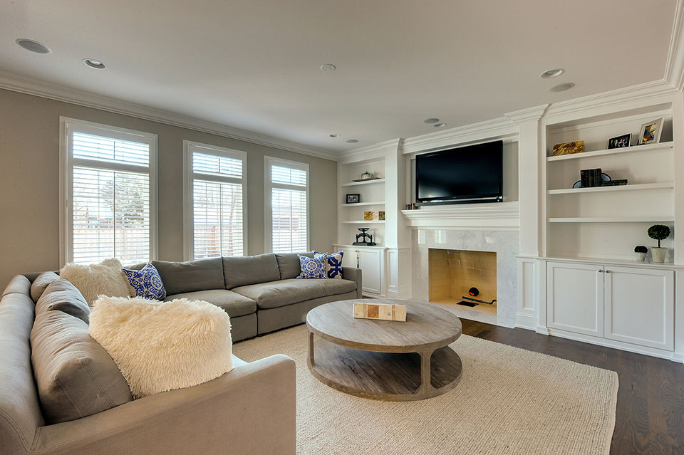 305-Neva-Glenview - Family-Room - Globex Developments Custom Homes