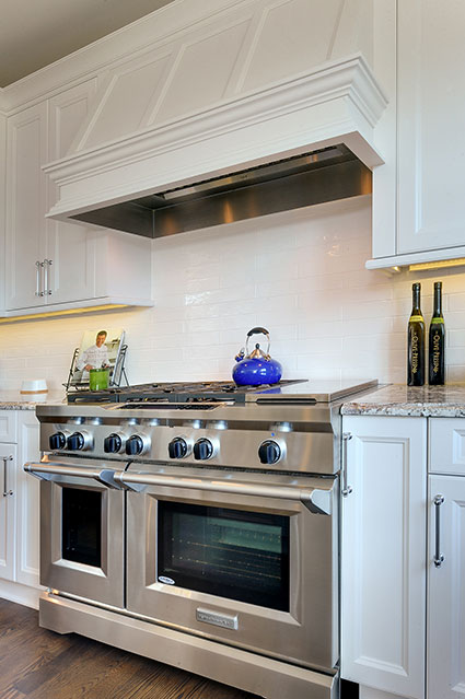 305-Neva-Glenview - Kitchen-Backsplash-Detail - Globex Developments Custom Homes