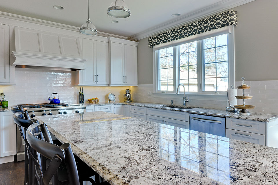 305-Neva-Glenview - Kitchen-Detail - Globex Developments Custom Homes
