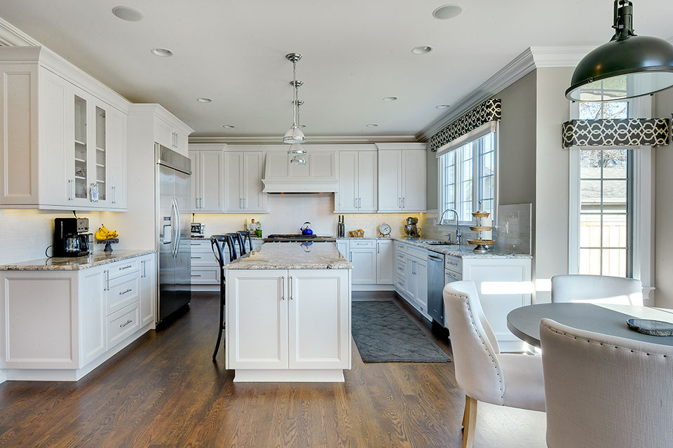 305-Neva-Glenview - Kitchen-Entry - Globex Developments Custom Homes