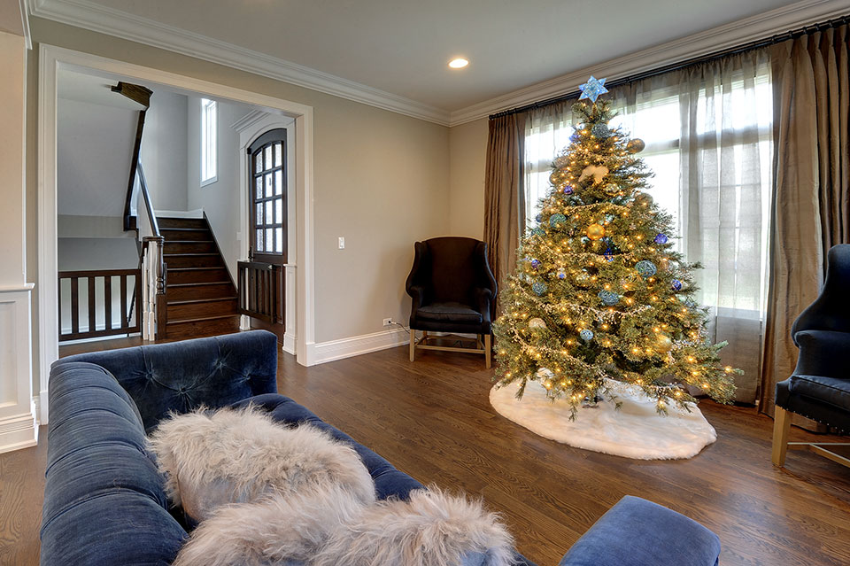 305-Neva-Glenview - Living-Room - Globex Developments Custom Homes