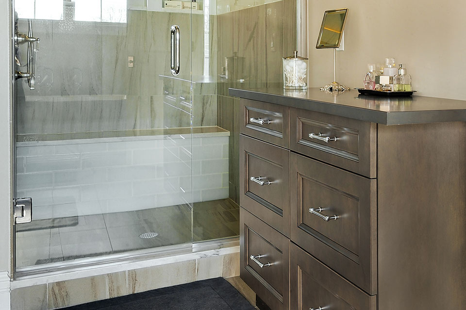 305-Neva-Glenview - Master-Bathroom-Cabinet-Detail - Globex Developments Custom Homes
