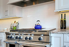 305-Neva-Glenview - Kitchen Backsplash Detail - Globex Developments Custom Homes