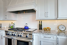 305-Neva-Glenview - Kitchen Backsplash - Globex Developments Custom Homes