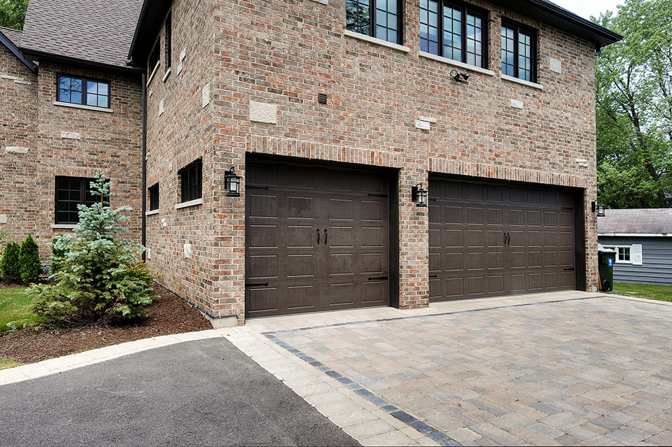 316-Luthin-Oak-Brook - House-Garage-Detail - Globex Developments Custom Homes