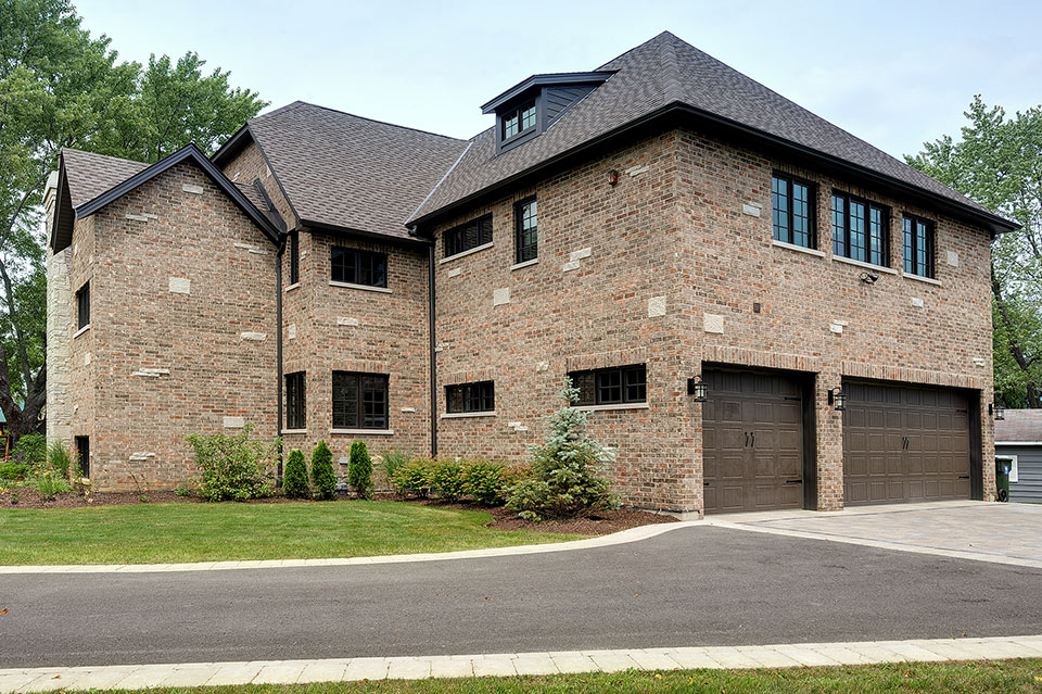 316-Luthin-Oak-Brook - House-Garage-View - Globex Developments Custom Homes