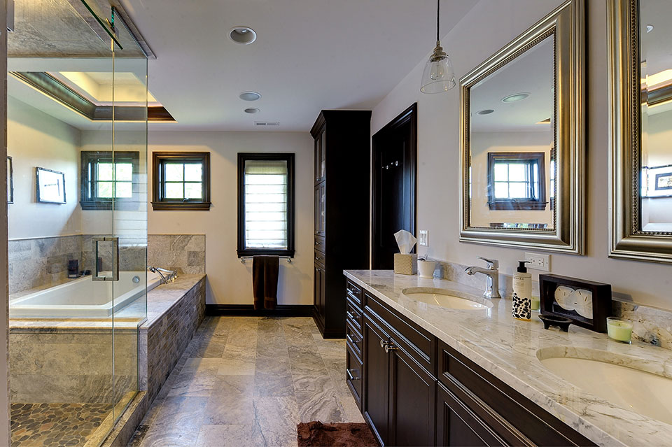 316-Luthin-Oak-Brook - Master-Bathroom-Entrance - Globex Developments Custom Homes