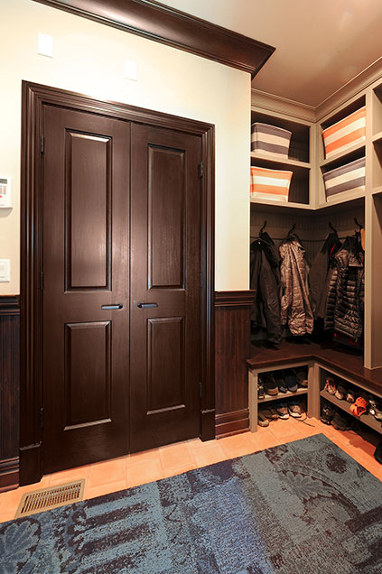 316-Luthin-Oak-Brook - Mudroom-Door - Globex Developments Custom Homes