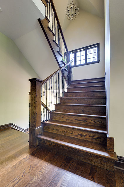 316-Luthin-Oak-Brook - Staircase-Front-View - Globex Developments Custom Homes
