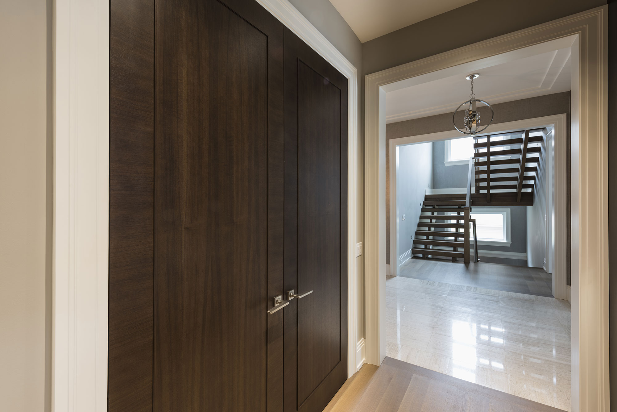 how wood with mirrors double s make secure doors closet