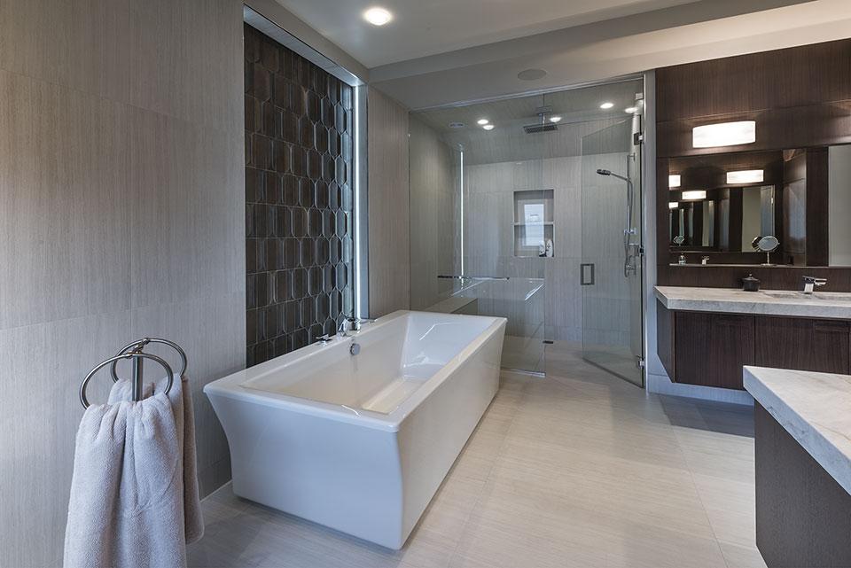 326-Country - Master Bathroom, Tub, Shower - Globex Developments Custom Homes