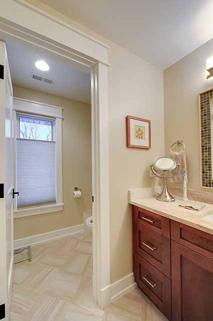 803-Solar-Glenview - Bathroom-Walkway - Globex Developments Custom Homes