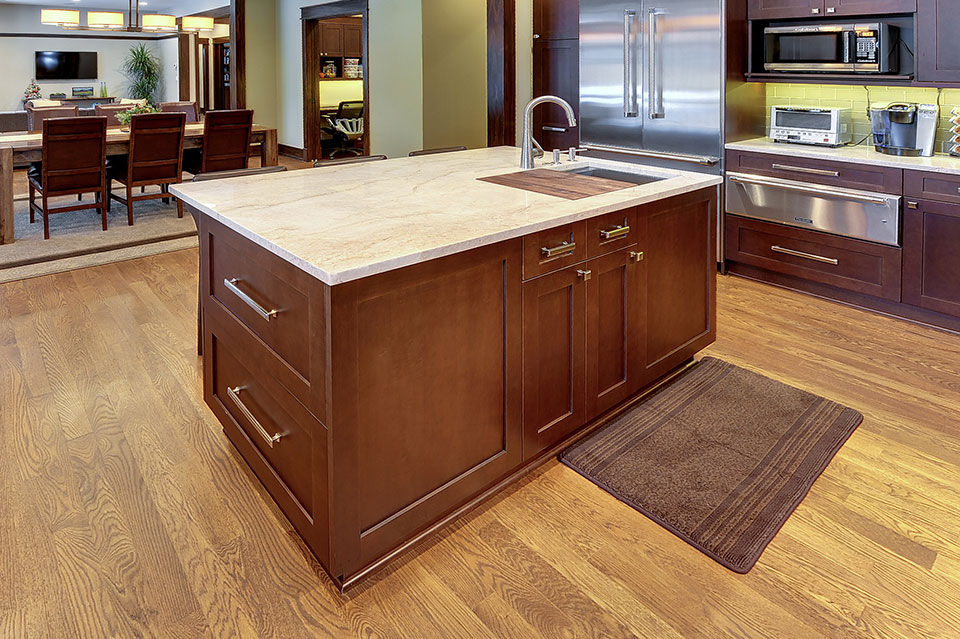 803-Solar-Glenview - Kitchen-Island-Detail - Globex Developments Custom Homes