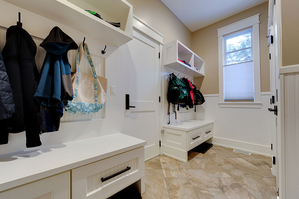 803-Solar-Glenview - Mudroom-Shelves - Globex Developments Custom Homes