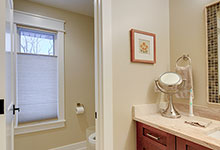 803-Solar-Glenview - Bathroom. Walkway - Globex Developments Custom Homes
