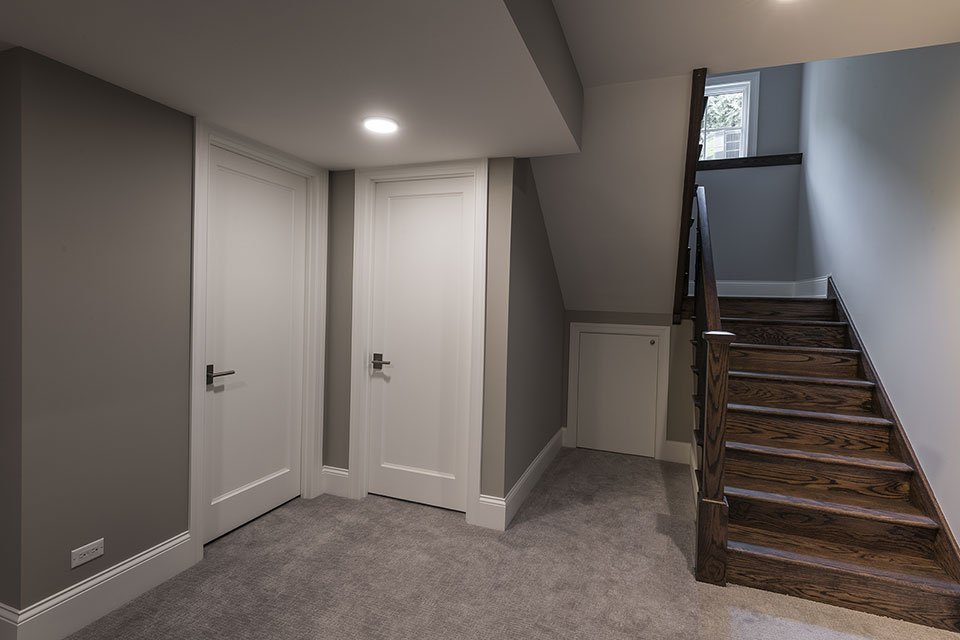 825-Lenox-Glenview - Basement Stairs, Paint Grade Doors - Globex Developments Custom Homes