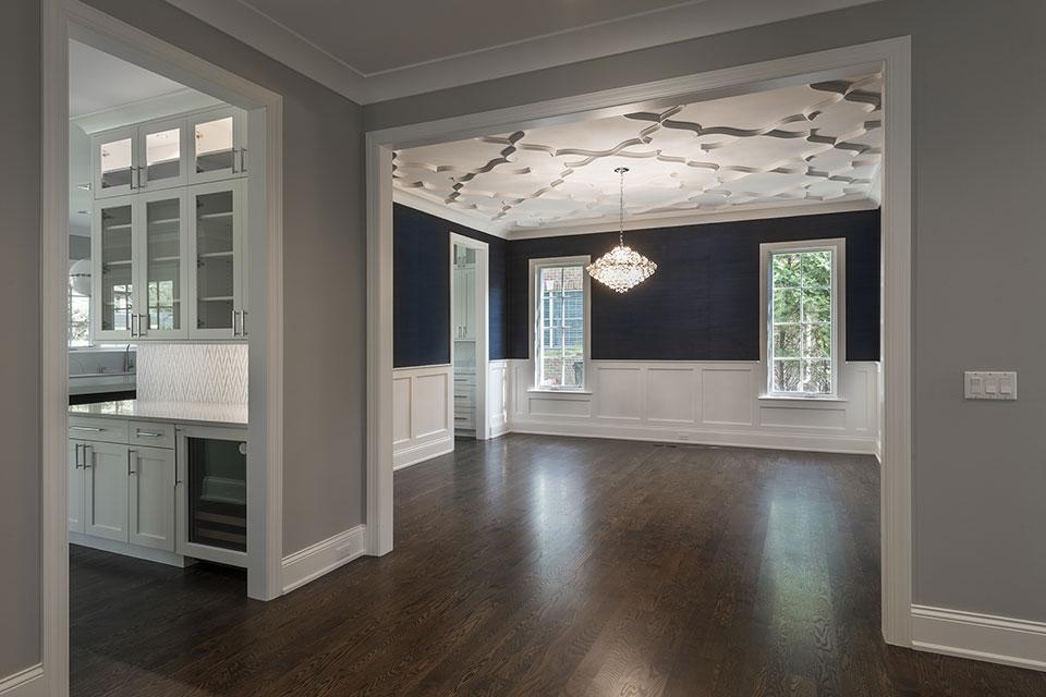 825-Lenox-Glenview - Hallway - Globex Developments Custom Homes
