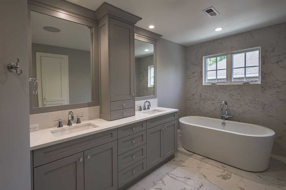 825-Lenox-Glenview - Master-Bathroom - Globex Developments Custom Homes