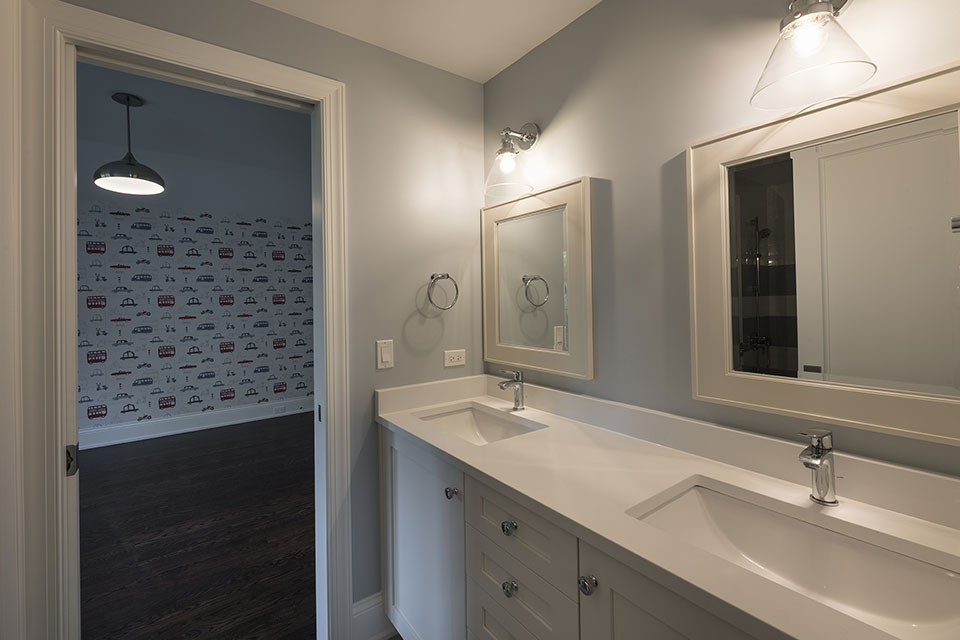 825-Lenox-Glenview - Second-Floor-Bathroom,-Vanity - Globex Developments Custom Homes