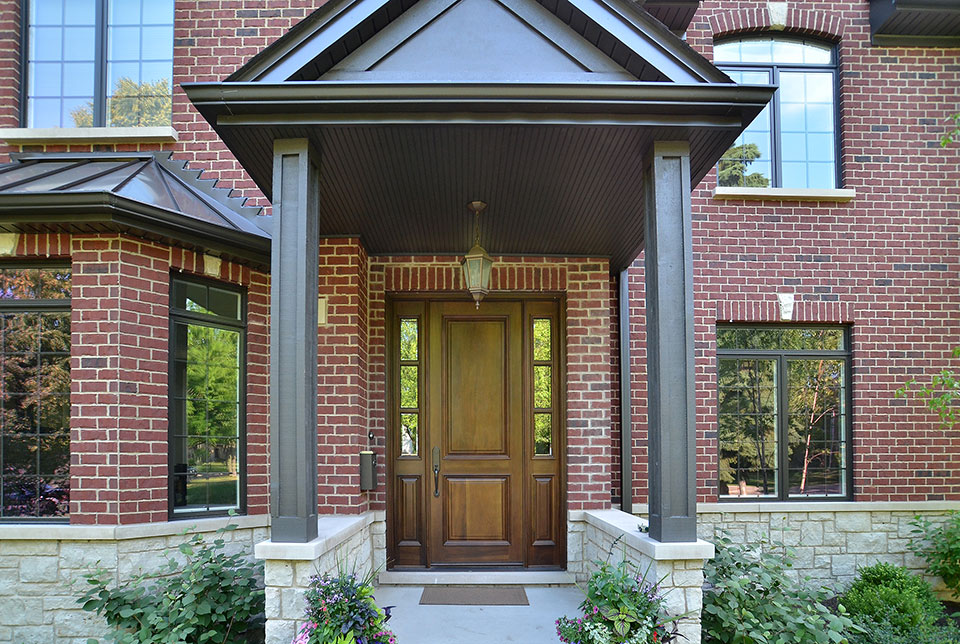 920-Crescent - HouseFront-FrontDoor - Globex Developments Custom Homes