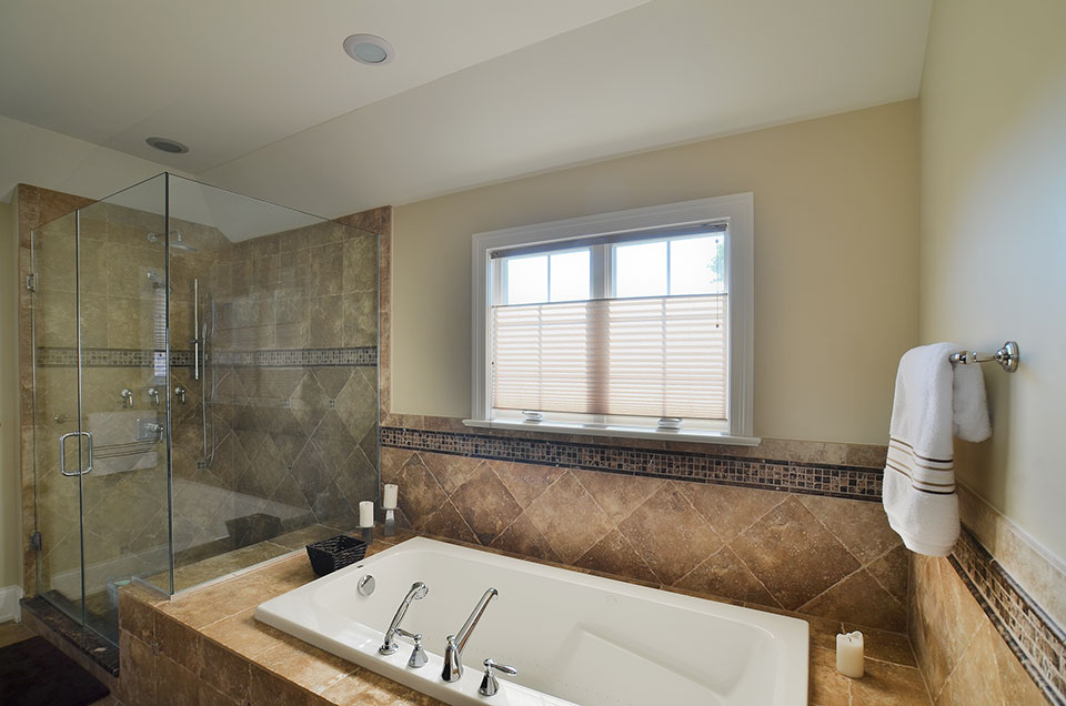 920-Crescent - Master-Bathroom-TubView - Globex Developments Custom Homes