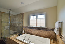 920-Crescent - Bathroom Tub - Globex Developments Custom Homes