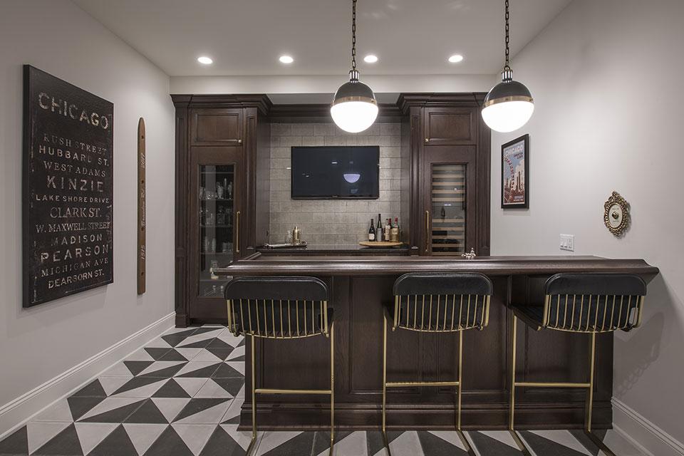Glenview-Coastal - Basement Bar front view - Globex Developments Custom Homes