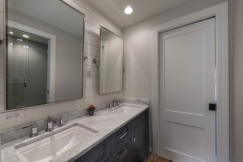 Glenview-Coastal - Bathroom - Globex Developments Custom Homes