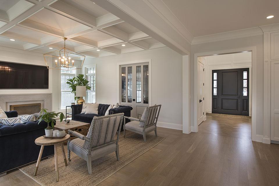 Glenview-Coastal - Family Room, Front Door View - Globex Developments Custom Homes