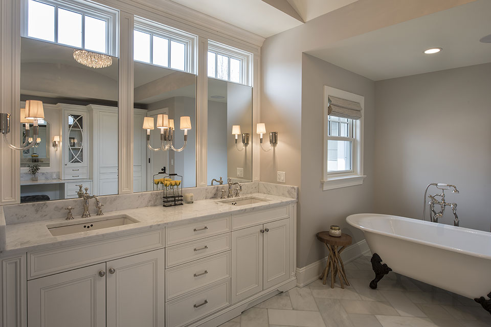 Glenview-Coastal - Master-Bathroom - Globex Developments Custom Homes