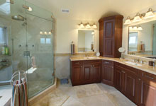 1957-Glenview - Pano-Bathroom - Globex Developments Custom Homes